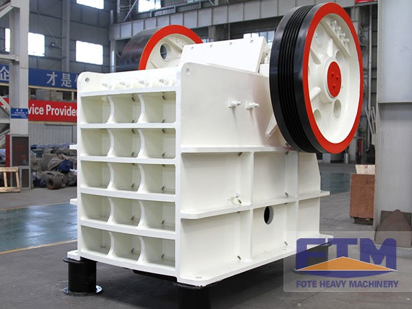 High Performance Jaw Crusher Is Suitable for a 30t Stone Production Line