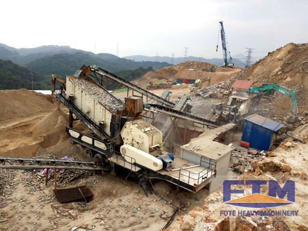 Mobile Crusher is the Most Effective Construction Waste Recycling Equipment